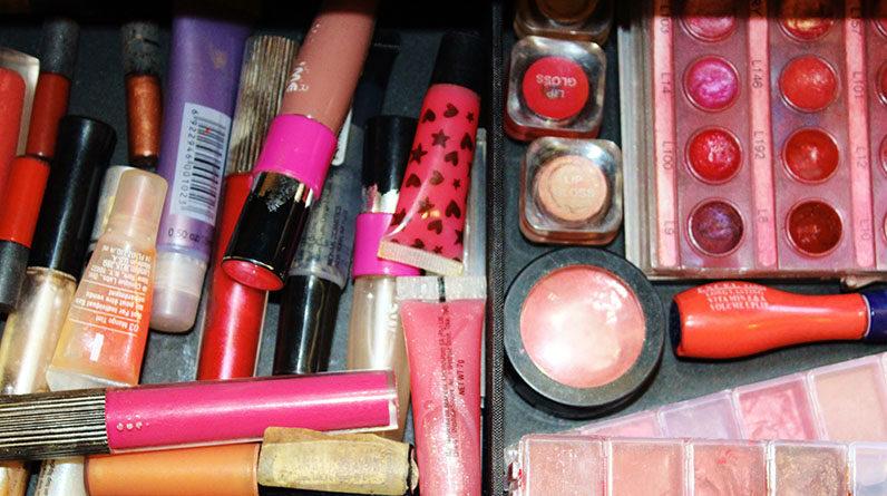 makeup lipstick lipgloss